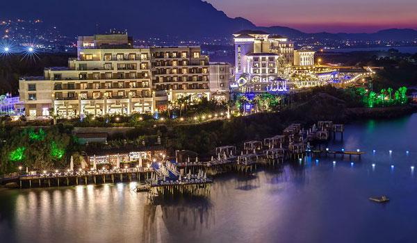 Kıbrıs Merit Park Otel