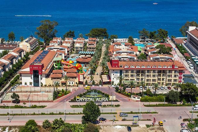 Crystal Aura Beach Resort & SPA Hotel